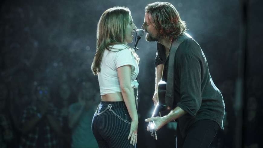 A Star is Born : Bradley Cooper chante avec Lady Gaga